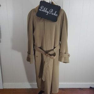 Burberry single breasted, belted, khaki trench XL